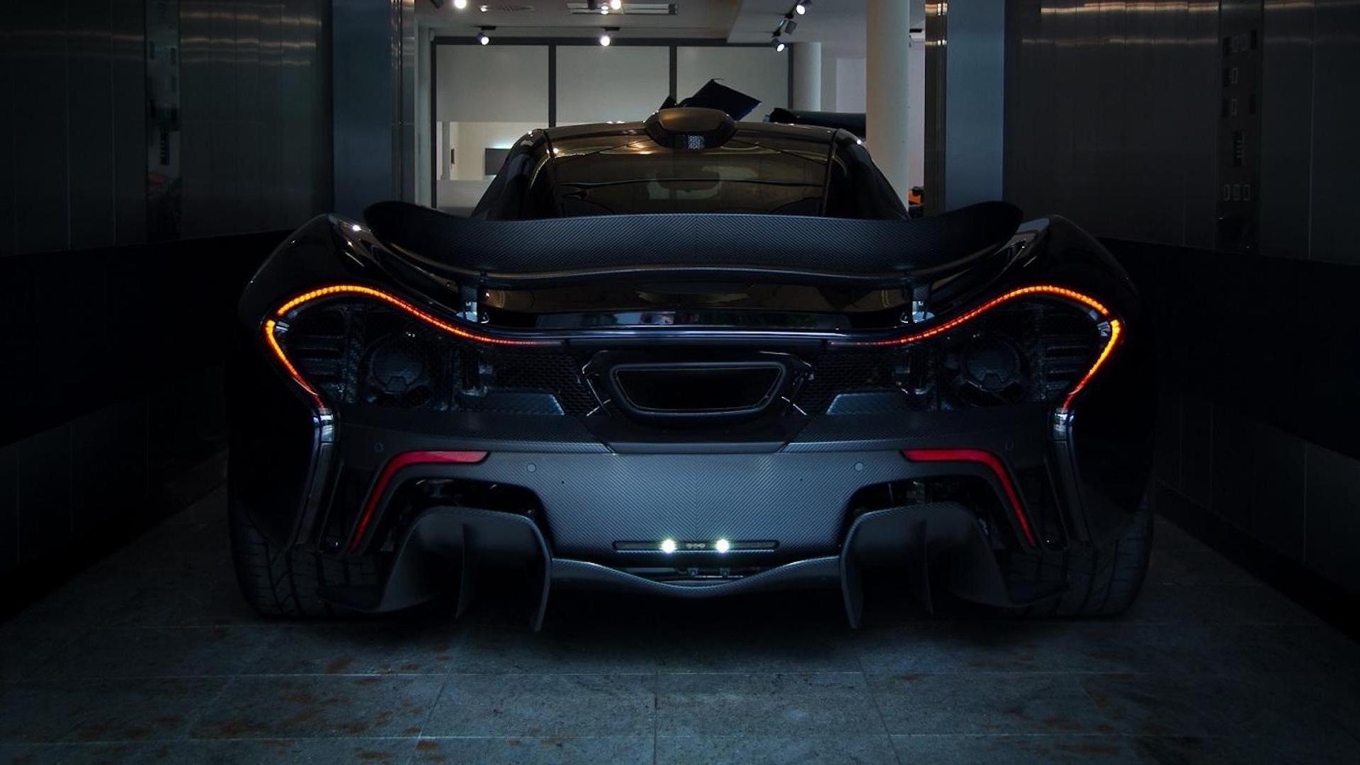 McLaren P1 SCHWARZ Slideshow